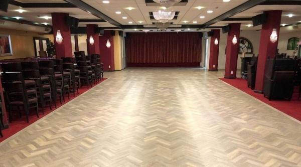 Nieuwe dansvloer in de (feest)zaal